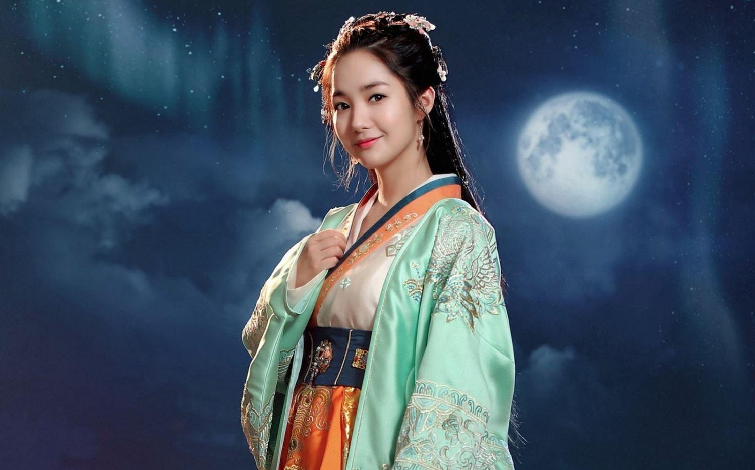 Vẻ đẹp của mỹ nhân Hàn cũng rất hợp với trang phục cổ trang
