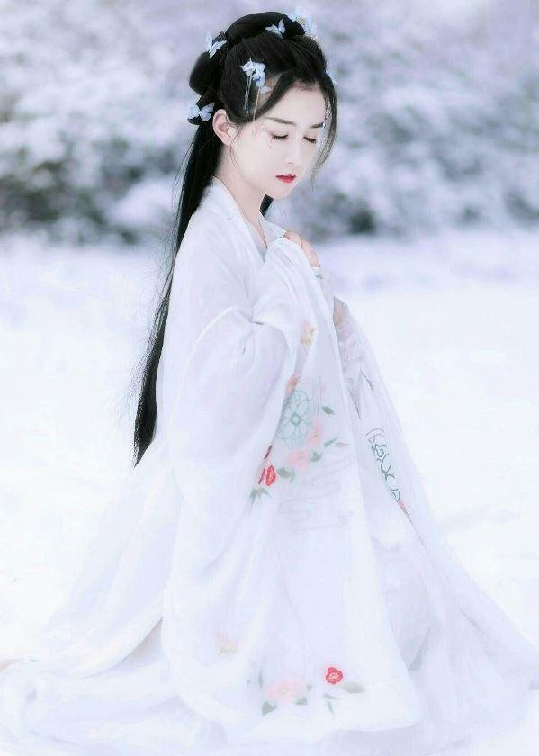 Vẻ đẹp thần tiên của thiếu nữ
